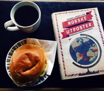 Bok med kaffe